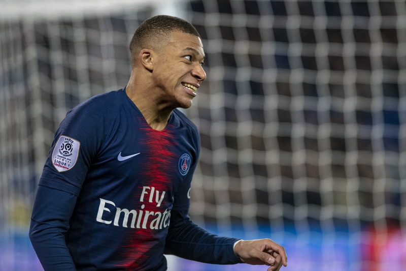Mbappé renovou com o Paris Saint-Germain (Foto: Richard Callis/Fotoarena/Folhapress)