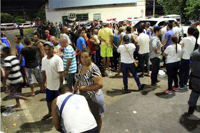 Venezuelanos são removidos da rodoviária de Manaus (Foto: Altemar Alcântara/Semcom)