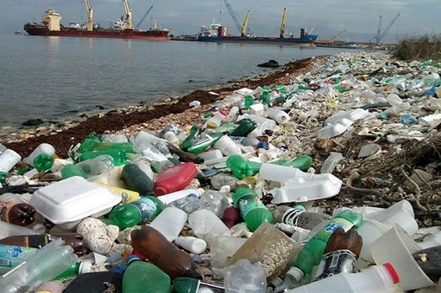 Plásticos compõem 70% da poluição marinha (Foto: Agência Brasil)