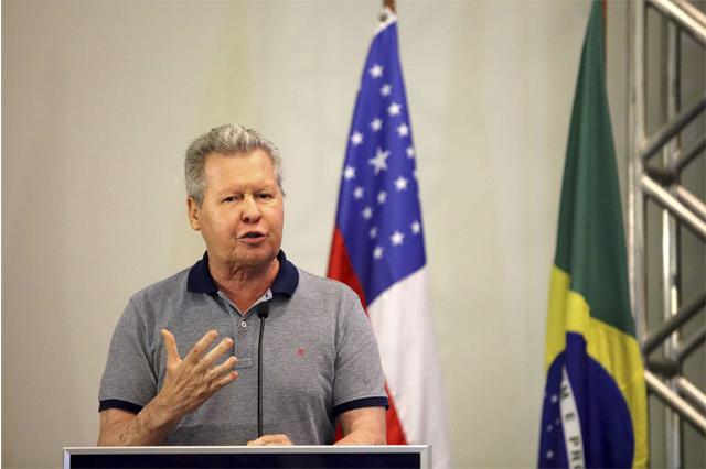Arthur Neto diz que biodiversidade está na Amazônia e não na Esplanada dos Ministérios (Foto: Mário Oliveira/Semcom)