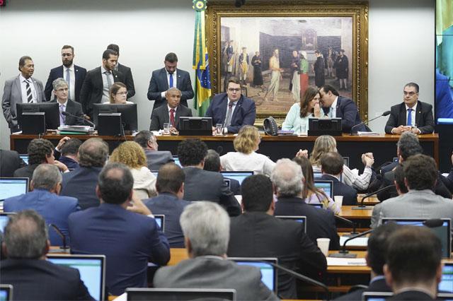 Reunião da CC acabou em tumulto e foi adiada (Foto Pablo Valadares/Agência Câmara)