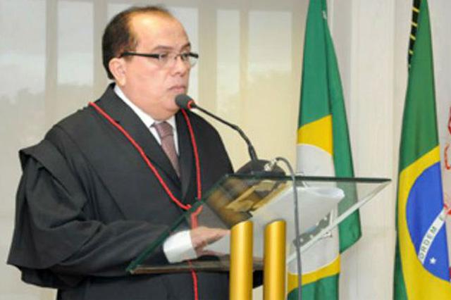 Carlos Rodrigues Feitosa havia sido aposentado pelo CNJ (Foto: TJCE/Divulgação)