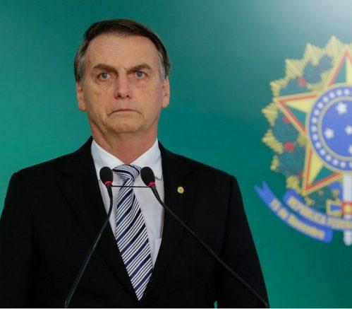 'Tem um item lá de que Lula e Dilma são mais inteligentes do que eu. Valeu, Datafolha', disse Jair Bolsonaro (Foto: Rogério Melo/PR)