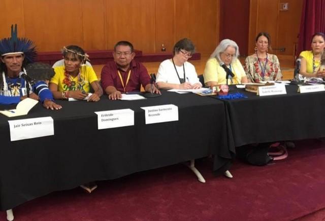Indígenas brasileiros Guarani Kaiowá, e Tuyuka compartilharam conhecimentos tradicionais na ONU (Foto: Facebook/Reprodução)