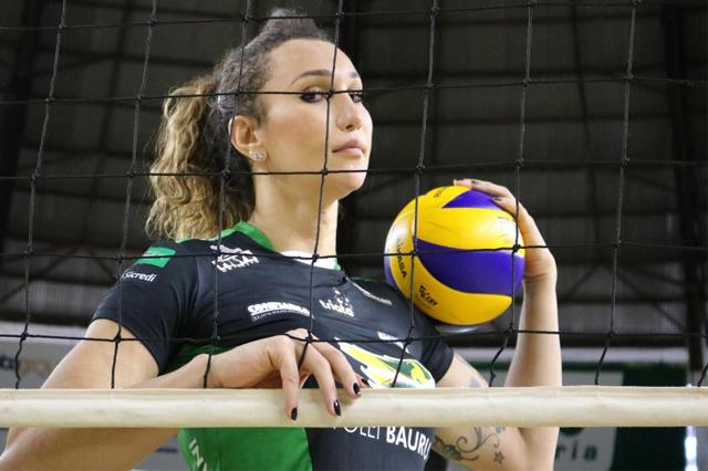 Tifanny foi liberada para jogar a Superliga Feminina (Foto: Marcelo Ferrazoli/ Vôlei Bauru)