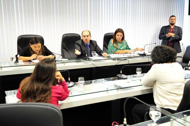Deputados discutem violência Obstétrica