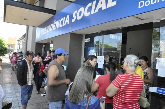 Em novembro, 2,3 milhões de pedidos de benefícios sociais e previdenciários esperavam na fila (Foto: Divulgação)