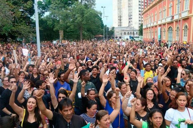 Manifestação de professores em Manaus em 2018