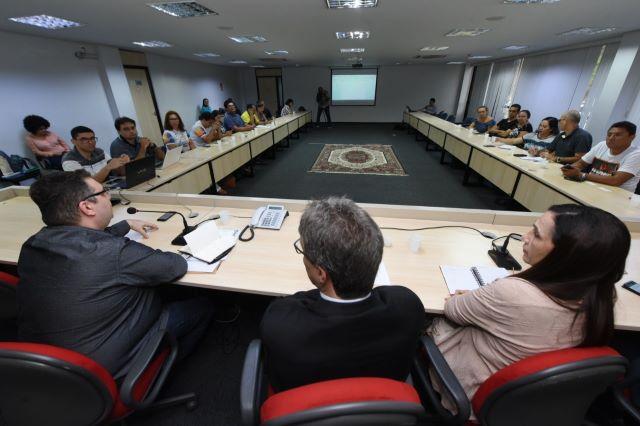 Última reunião da comissão formada pelo governo, professores e deputados definiu a proposta