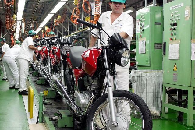 Produção industrial brasileira caiu 1,3% em março (Foto: Agência Brasil)