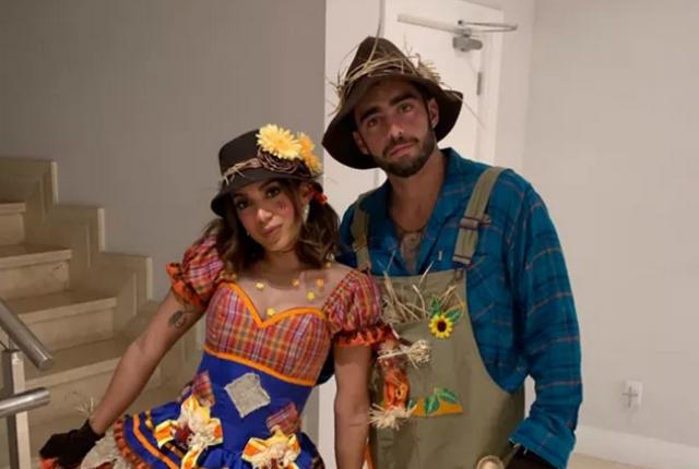 Anitta e o namorado Scooby em festa junina (Foto: Instagram/Reprodução)