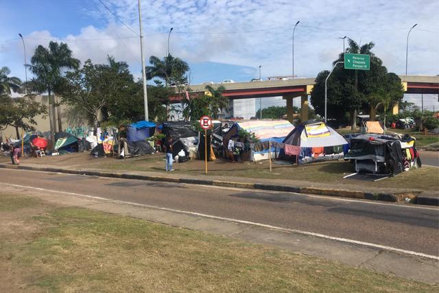 venezuelanos acampamento
