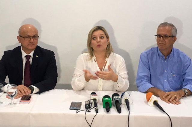 Alfredo Menezes, Joice Hasselmann e Romero Reis
