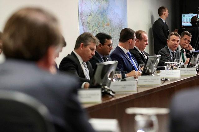 Bolsonaro reunido com governadores da Amazônia