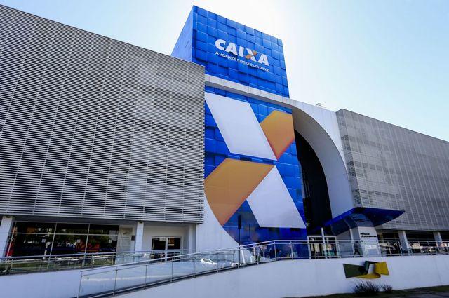 A Caixa lançou um site para que pessoas que se enquadram no benefício solicitem o auxílio https://auxilio.caixa.gov.br/ (Foto: Marcelo Camargo/Agência Brasil)