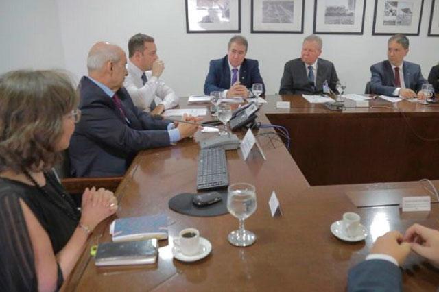 Arthur com o ministro da Secretaria de Governo