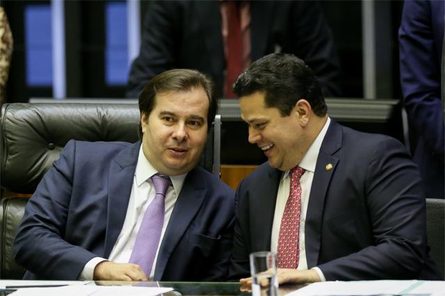 Resultado de imagem para maia alcolumbre e a oposição a bolsonaro