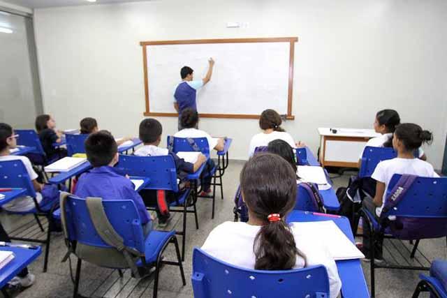 Brasil corre risco de ter professores desempregados em excesso ...