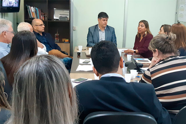 Reunião do secretário Rodrigo Tobias com direção da Unisol