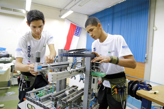 Resultado de imagem para Programa do MEC abrirá 1,5 milhão de vagas em educação profissional