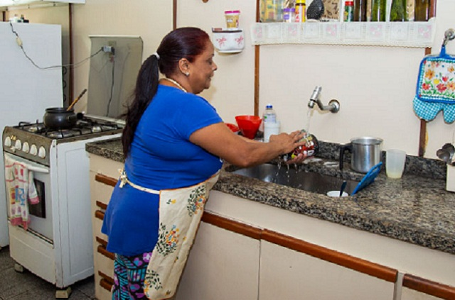 Expansão da lista pode atingir prestadores de serviços domésticos (Foto: Licia Rubinstein/Agência IBGE)