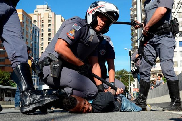 Violência-policial - abuso de autoridade