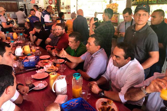 Carlos Almeida e deputados
