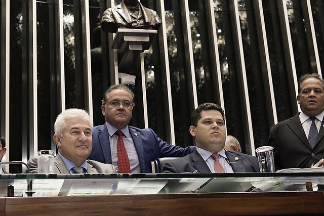 Ministro da Ciência e Tecnologia, Marcos Pontes, e o presidente do Senado, Davi Alcolumbre