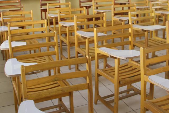 cadeira escolar seduc