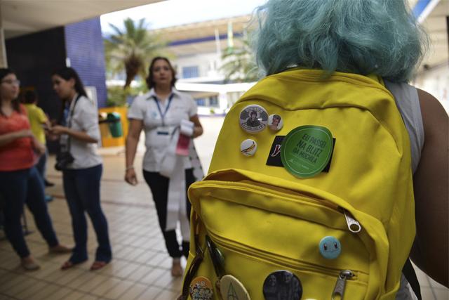 peso das mochilas escolares