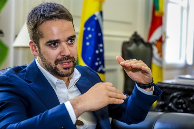 Eduardo Leite defende privatizações e concessões para diminuir gastos do estado