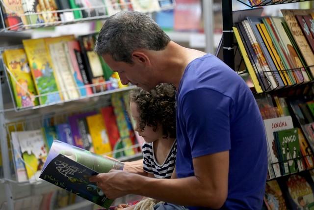 Brasília - 3ª Bienal Brasil do Livro e da Leitura, que começou às 9h desta sexta-feira (21) e vai até dia 31. O evento está sendo realizado no Estádio Nacional Mané Garrincha (Foto: Wilson Dias/Agência Brasil)