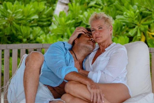 Xuxa e Junno Andrade celebram sete anos de união (Foto: Instagram/Reprodução)