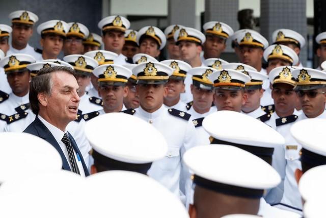 Cerimônia de Declaração de Guardas-Marinha de 2019 e Entrega de Espadas da Turma Almirante Protógenes (Foto: Alan Santos/PR)