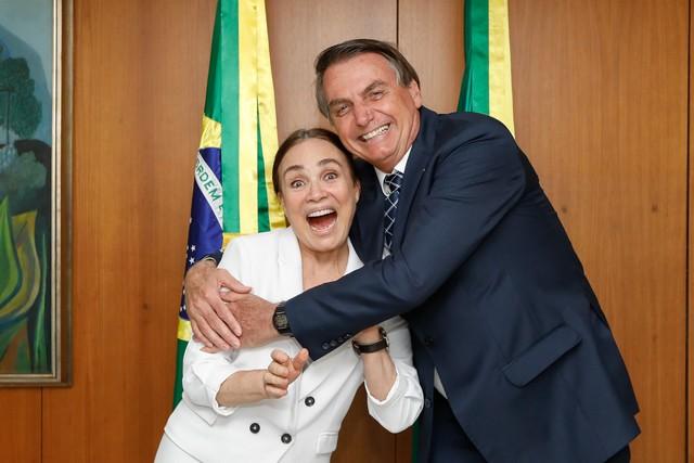 Jair Bolsonaro disse que Regina Duarte 'merece uma festa' quando assumir secretaria (Foto: Carolina Antunes/PR)
