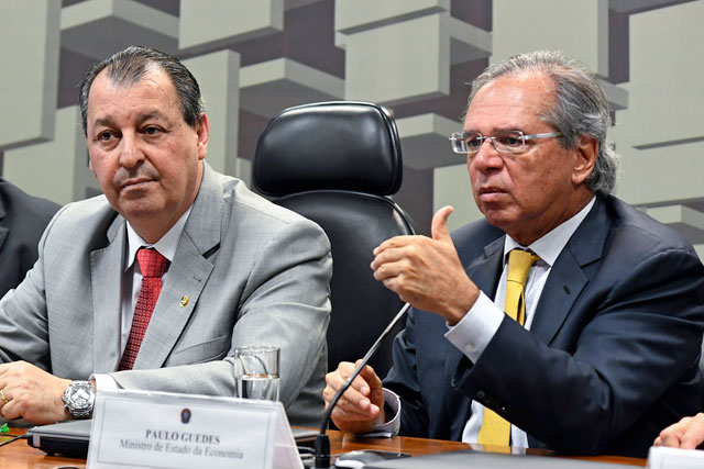 Omar Aziz e Paulo Guedes