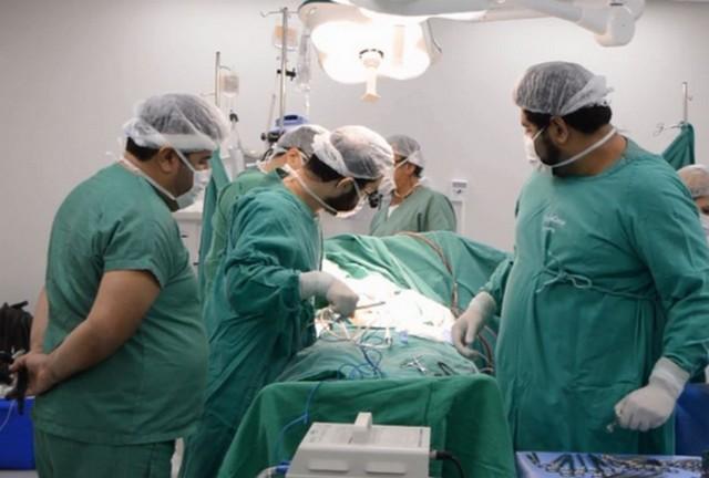 No Brasil, a doação de órgãos só é feita depois da autorização da família (Foto: Santa Casa de Araraquara/Divulgação)