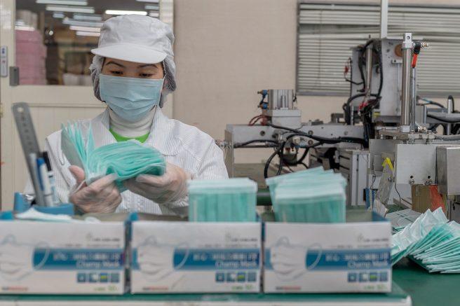 OMS adverte que o uso das máscaras somente é eficaz se combinado com medidas de higiene (Foto: Makoto Lin/Fotos Públicas)