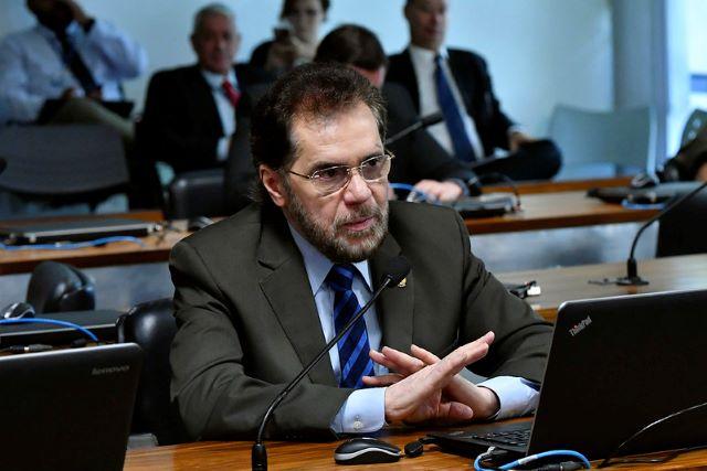 Plínio Valério, senador
