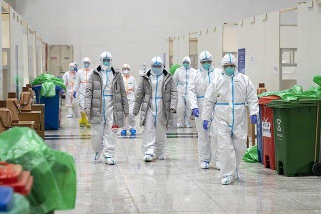 Médicos e enfermeiros se revesam em hospitais da China (Foto: Governo da China/Fotos Públicas)