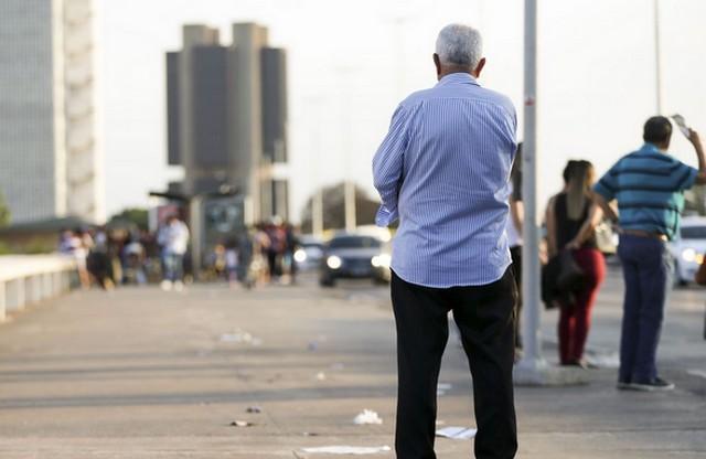 Idosos terão que trabalhar mais para garantir o padrão de vida (Foto: Marcelo Camargo/Agência Brasil)