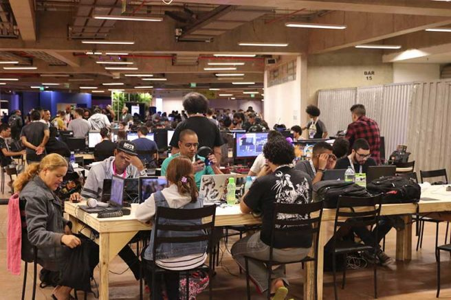 Entre os formandos na área da ciência da computação, as mulheres são 20% (Foto: Valter Campanato/Agência Brasil)