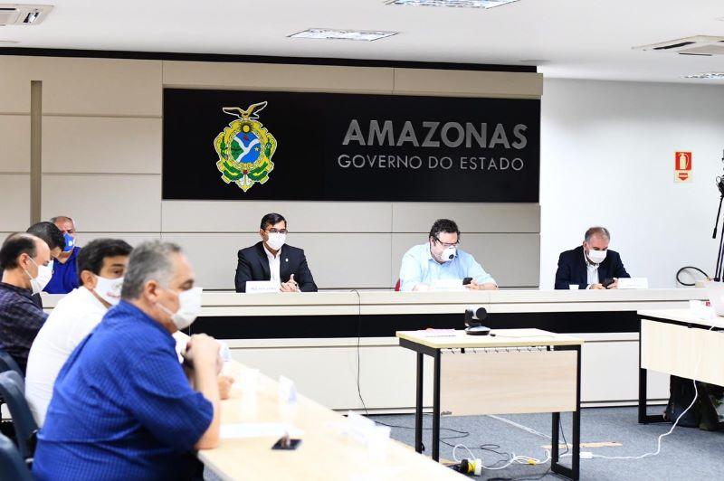 Reunião do governador com secretários e autoridades de saúde