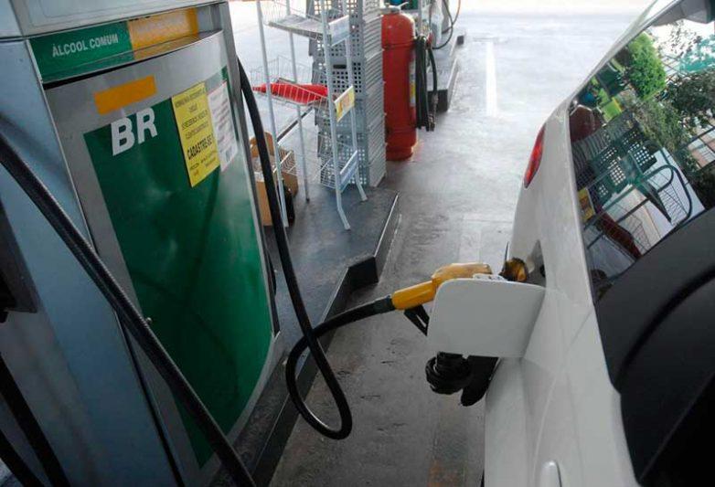 Vendas de etanol pelas usinas apresentaram retração inferior, de 12,94% em relação ao mesmo mês de 2019 (Foto: Antonio Cruz/Agência Brasil)