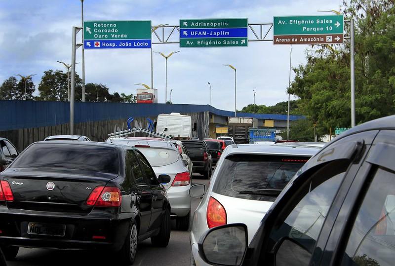 tráfego veículos manaus