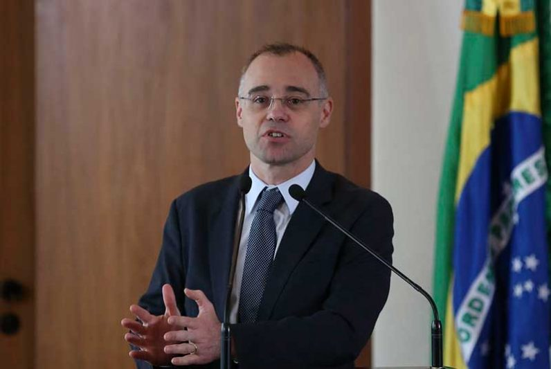 André Mendonça pedido habeas corpus para impedir a prisão de Weintraub no caso de ele se recusar a cumprir determinação do STF (Foto: José Cruz/Agência Brasil)