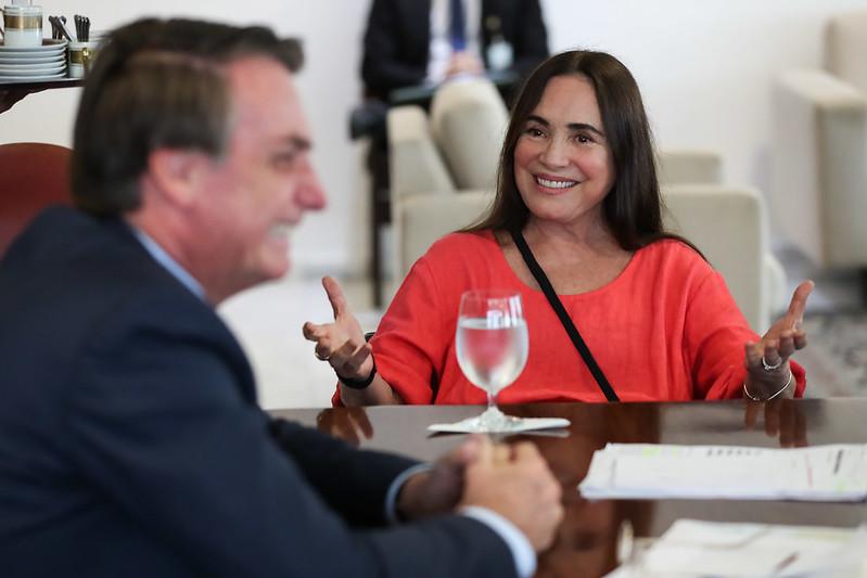 presidente Jair Bolsonaro e Regina Duarte