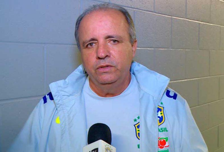 Vadão estava em Campinas mas foi transferido para São Paulo por causa de complicações de saúde (Foto: Laura Zargo/TV CBF)