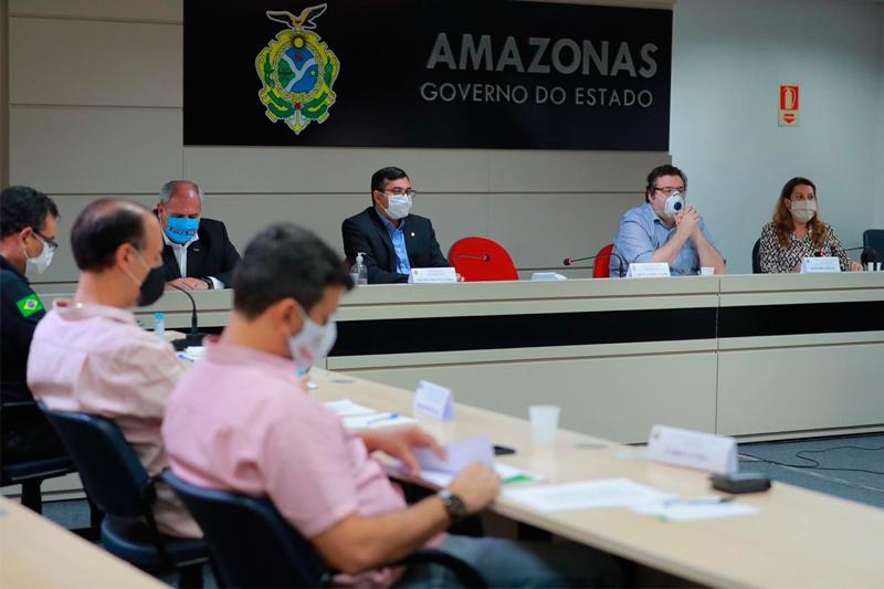 Wilson Lima em reunião com secretários e empresários