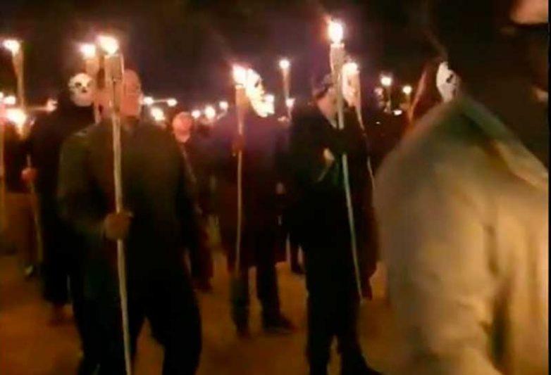 O grupo de manifestantes refuta o suposto caráter violento do movimento e rejeita o rótulo de milícia armada (Foto: Facebook/Reprodução)